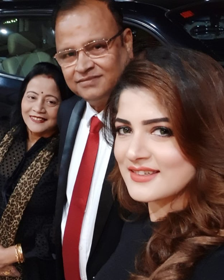 Srabanti Chatterjee parents