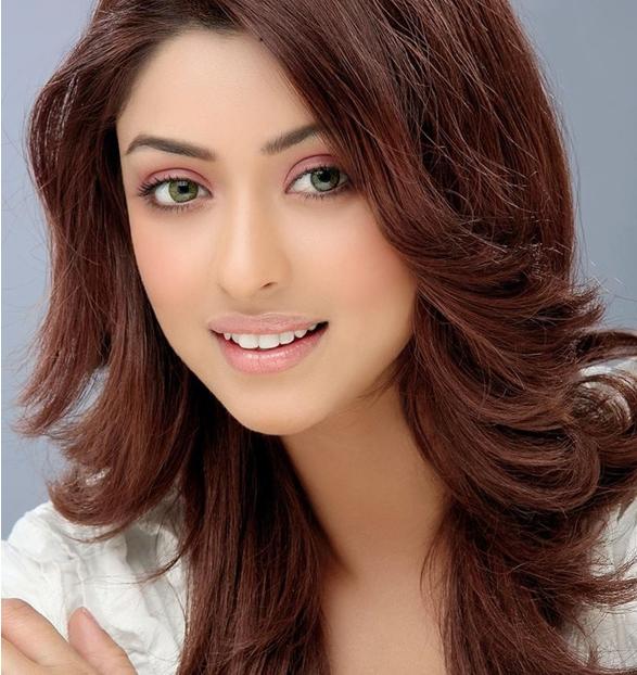Payal Ghosh Age and Beauty