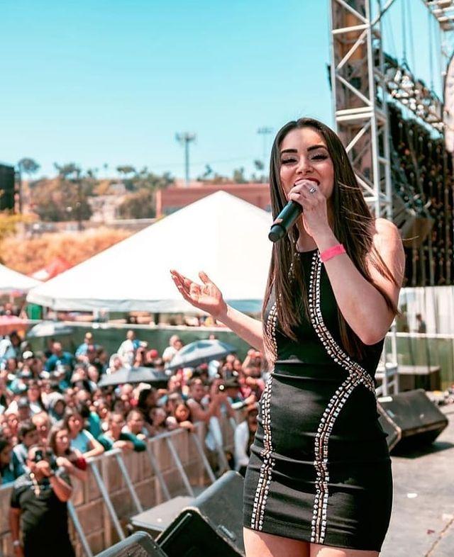 Cheli Madrid Mexican Singer