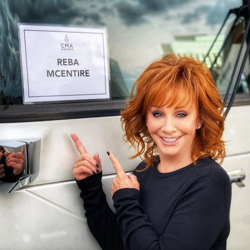 Reba McEntire Bio
